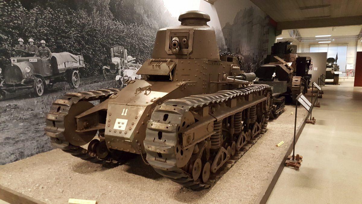 Renault NC27 tank