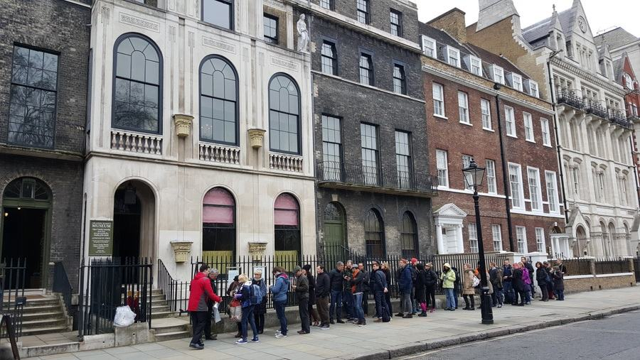 Queue outside Sir John Soane Museum, Lincoln's Inn Fields