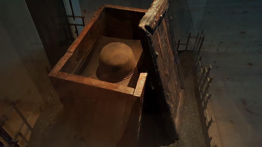 Vasa sailor's locker with hat