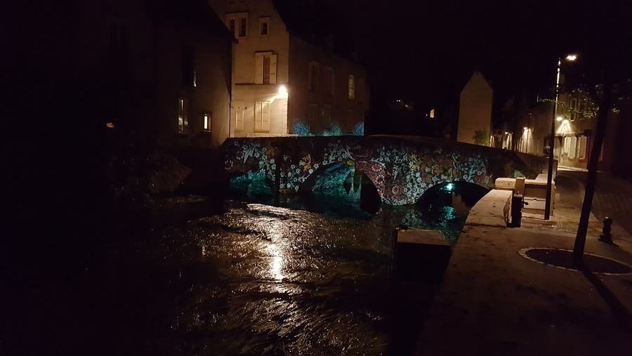 Chartres bridge illuminated