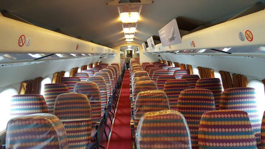 Comet 4c cabin
