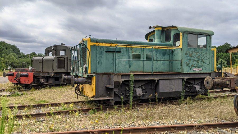 Roundhouse trains