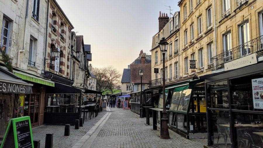Cobbled street with restaurants