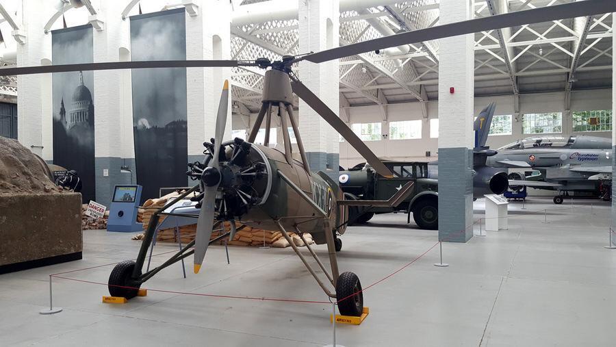 Cierva C-30A auto-gyro