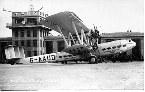 Imperial Airways plane outside Croydon Airport terminal