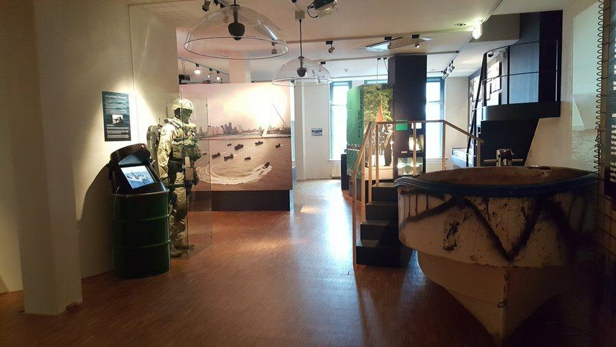 View of 2nd floor gallery at Mariniers Museum
