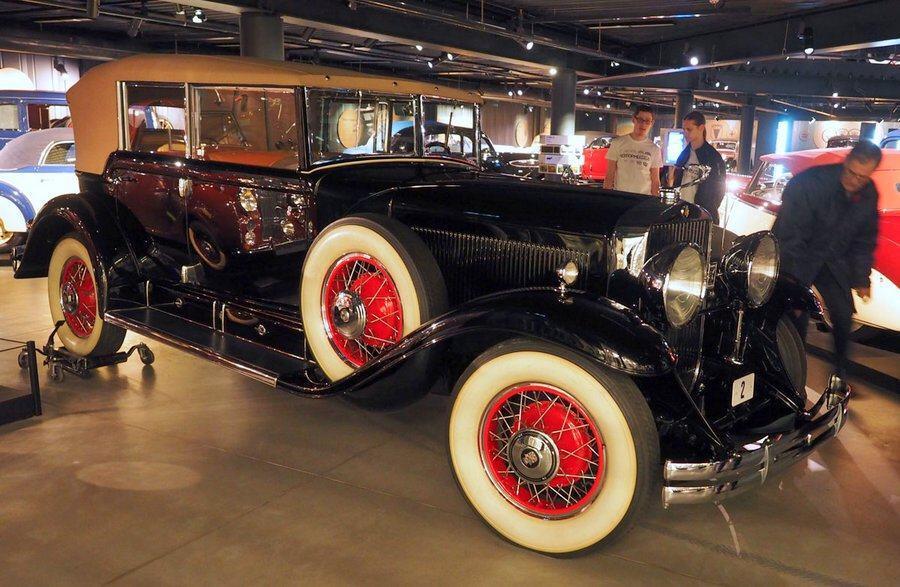 Cadillac Fleetwood V8 Phaeton. at Riga Motor Museum