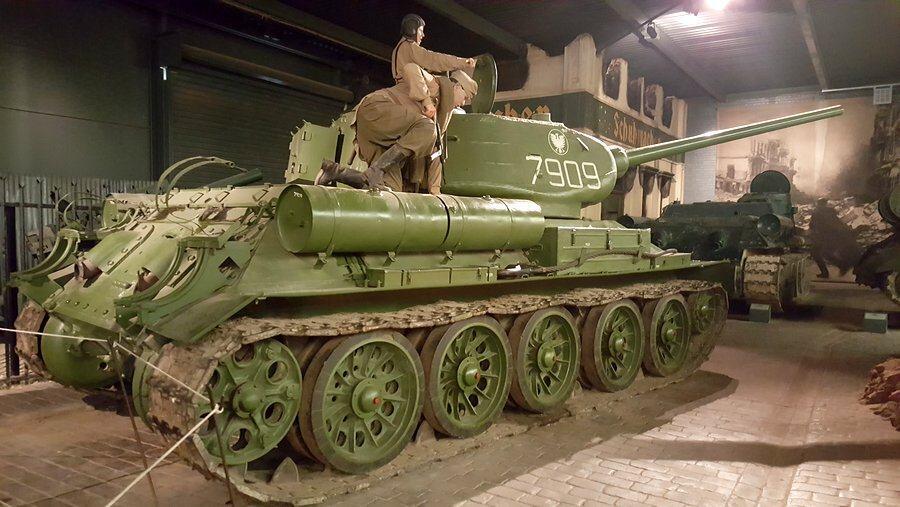 T-34/85 Medium Tank