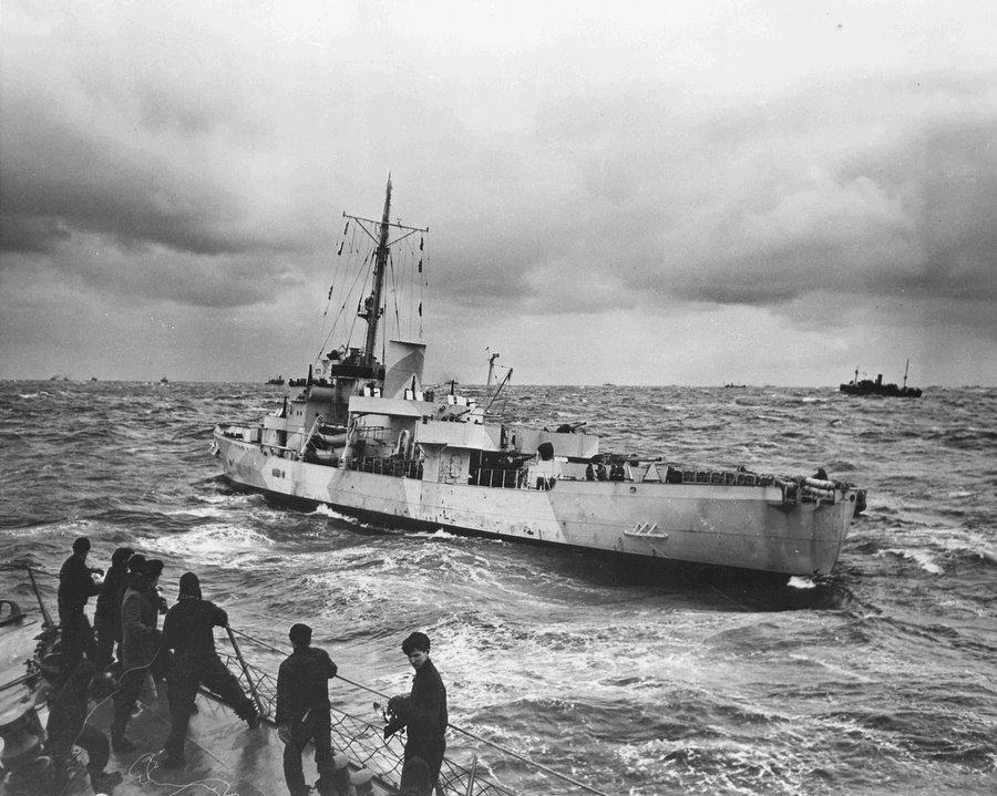 USCGC Spencer wallowing in a moderate Atlantic swell