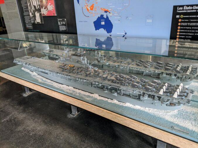 Large model of an american aircraft carrier