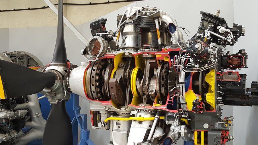 Cutaway Wright Cyclone engine at RAF Cosford museum