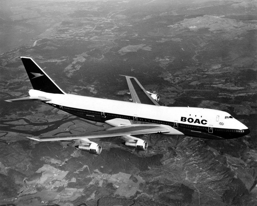 Black & White photo of a BOAC jumbo jet in flight