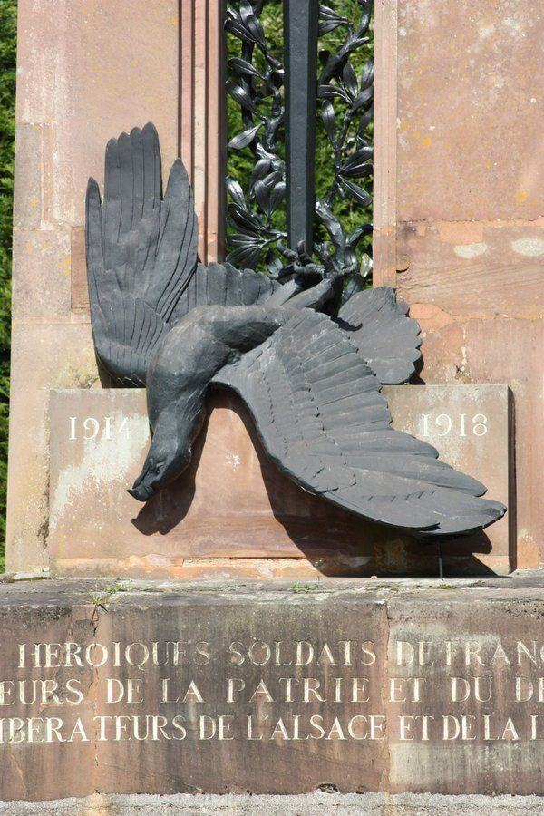 Impaled eagle & sword at base of the Alsace-Lorraine monument