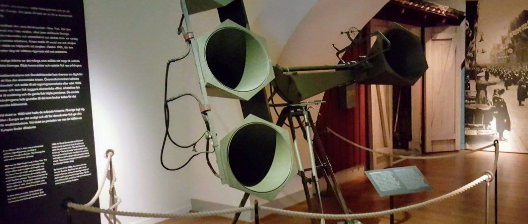 Barr & Stroud audio aircraft detection device